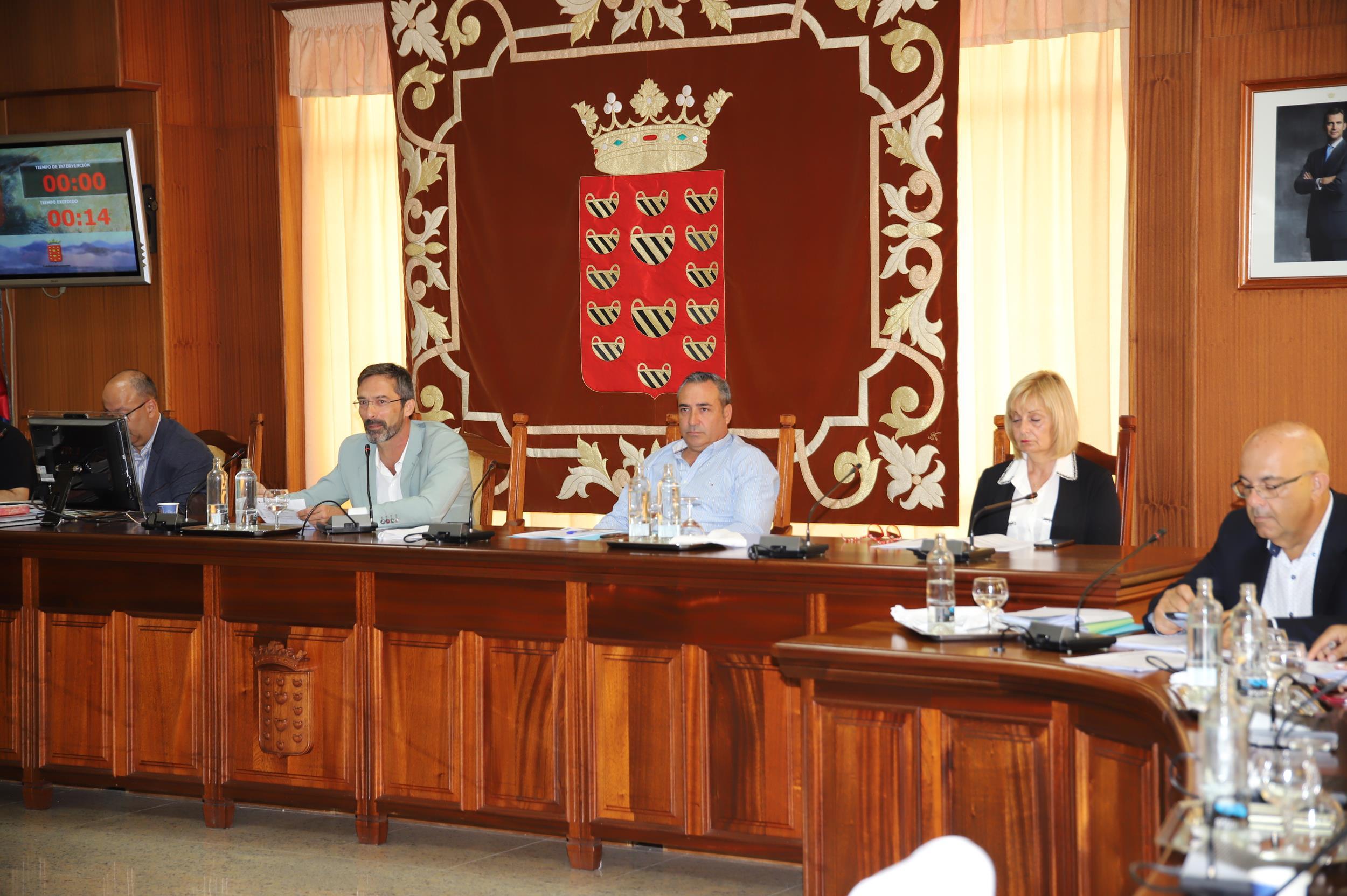El Cabildo de Lanzarote concede subvenciones a varios proyectos generadores de empleo, energías renovables y parques eólicos, iniciativas culturales y de inserción socio educativa y para la mejora de la seguridad y atención de las emergencias en la isla