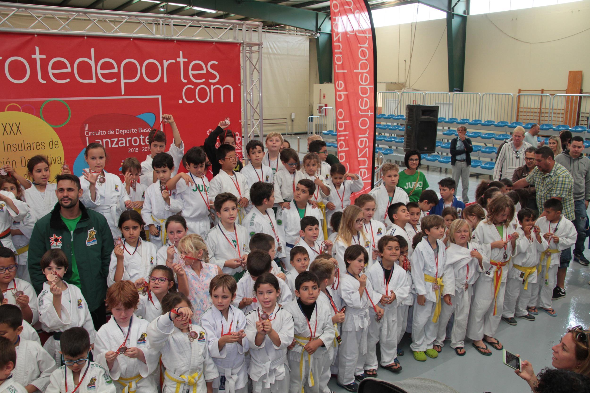 El terrero de la Ciudad Deportiva acoge esta tarde la clausura de Lucha Canaria de los XXX Juegos Insulares de Promoción Deportiva