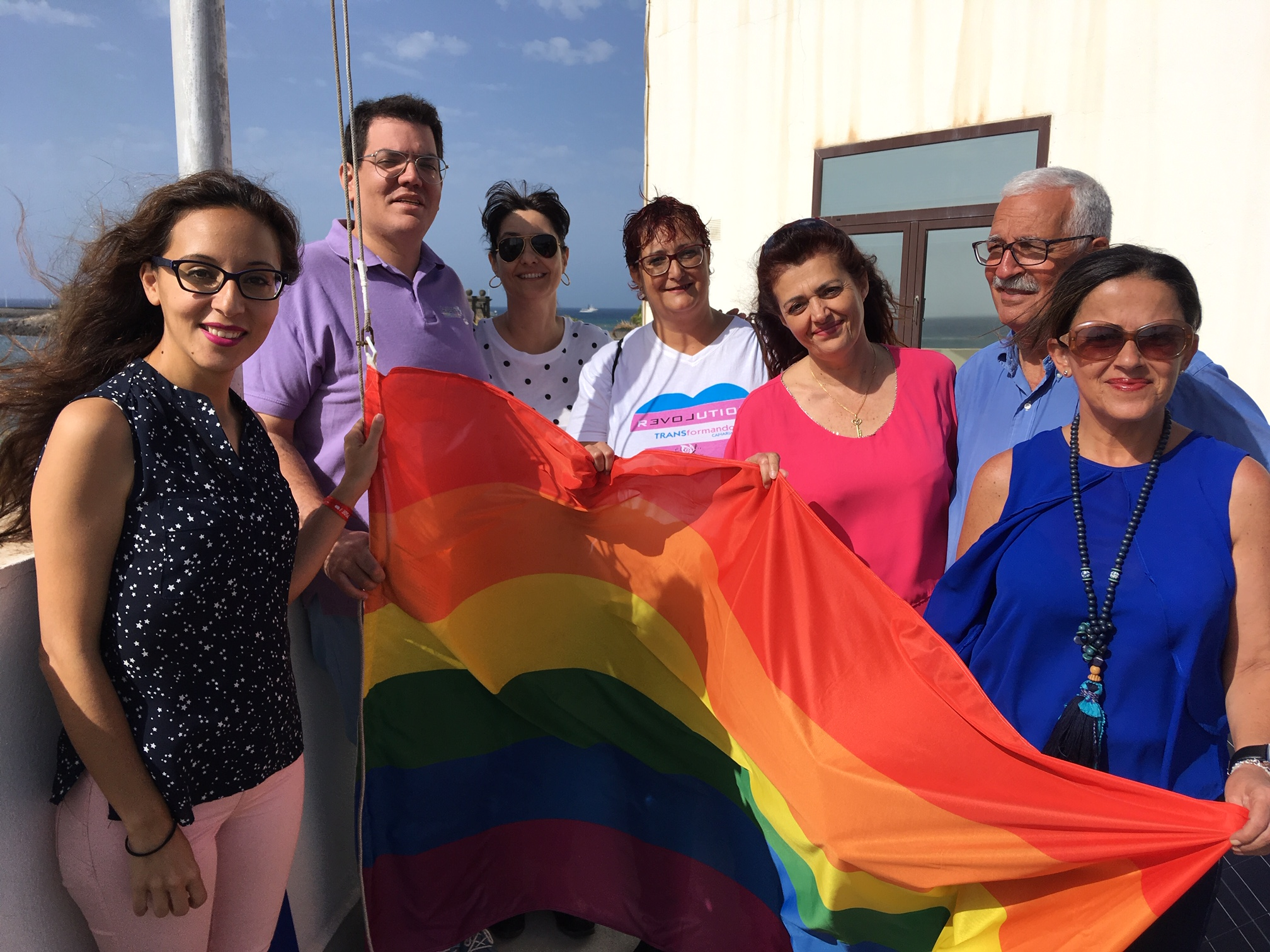 El Ayuntamiento de Arrecife se suma a Lánzate y Chrysallis en la celebración del Día Internacional contra la LGTBI+fobia