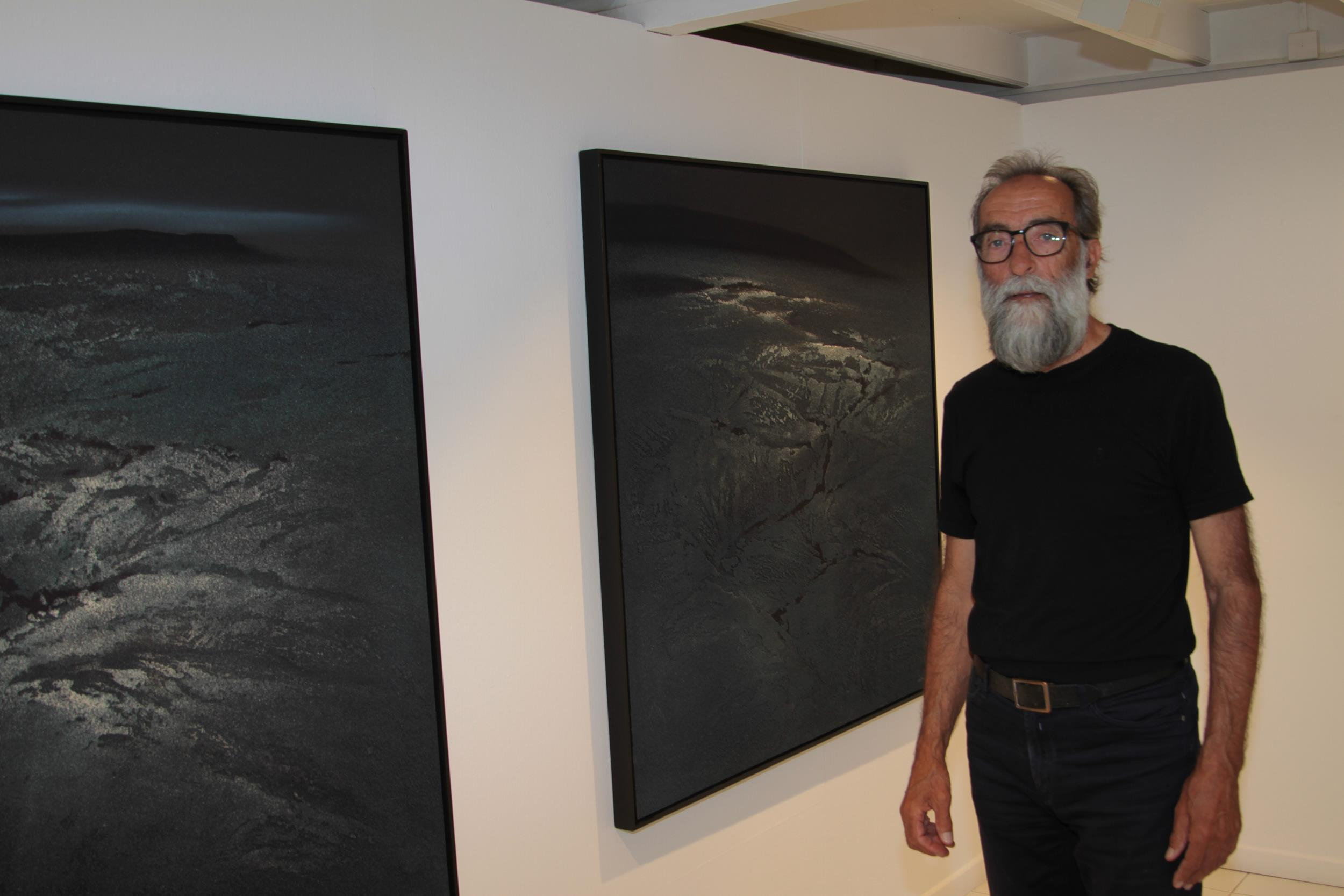 """Ildefonso Aguilar reúne sus últimos trabajos pictóricos, fotográficos y audiovisuales en la exposición """"Entre Islas"""""""