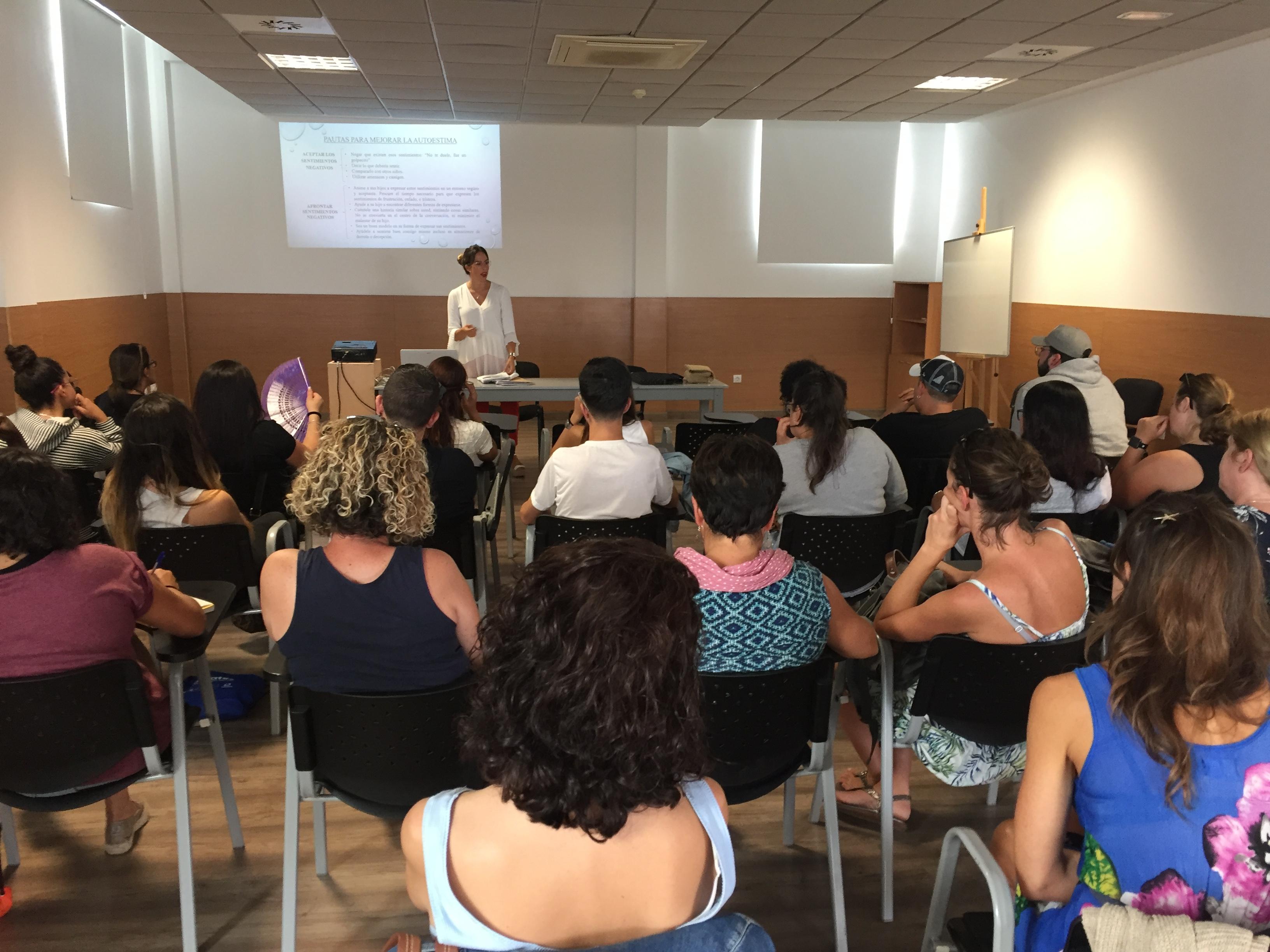 La ponencia Autoestima y autonomía cierra el programa Educar en Familia de Arrecife