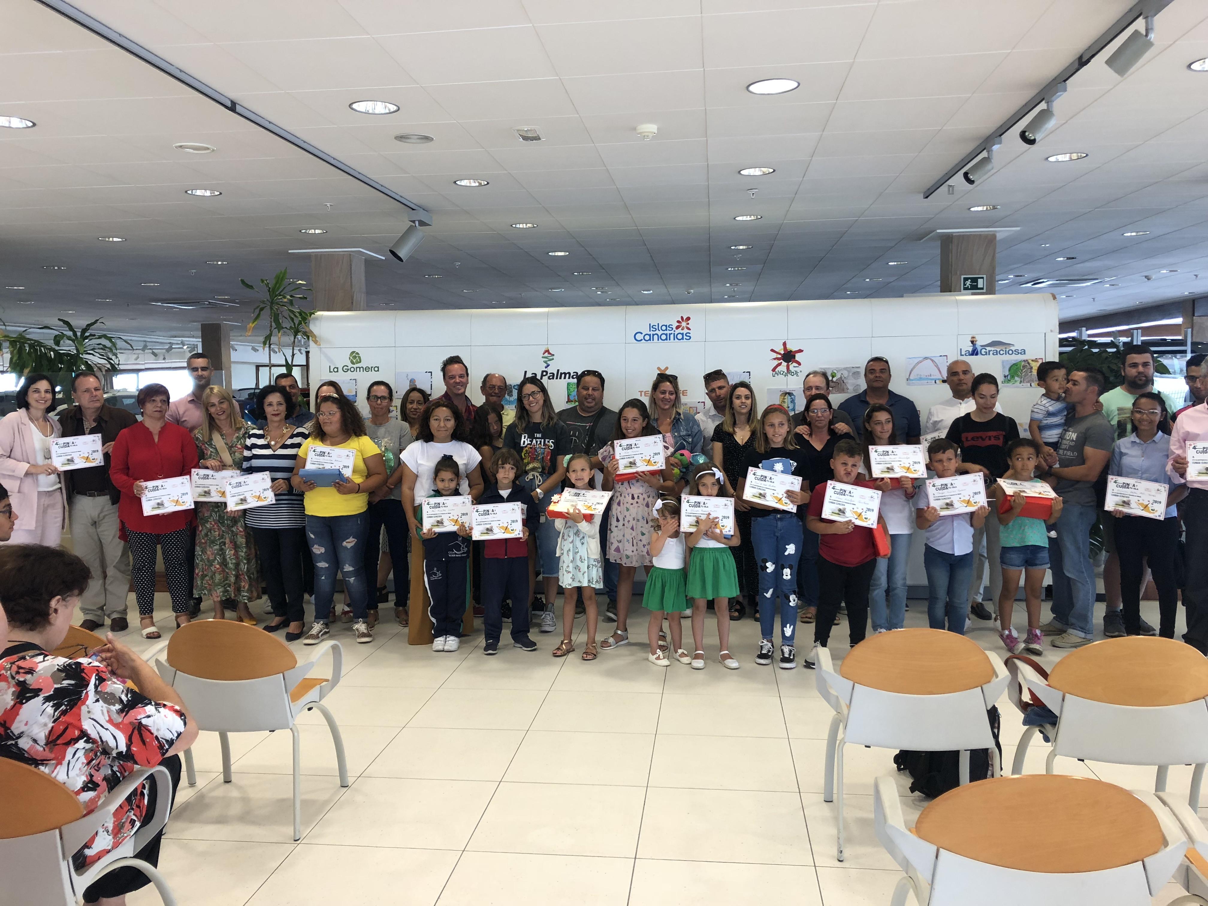 Entregados los premios de Lanzarote y La Graciosa del concurso de dibujo infantil 'Pinta y cuida tu isla'