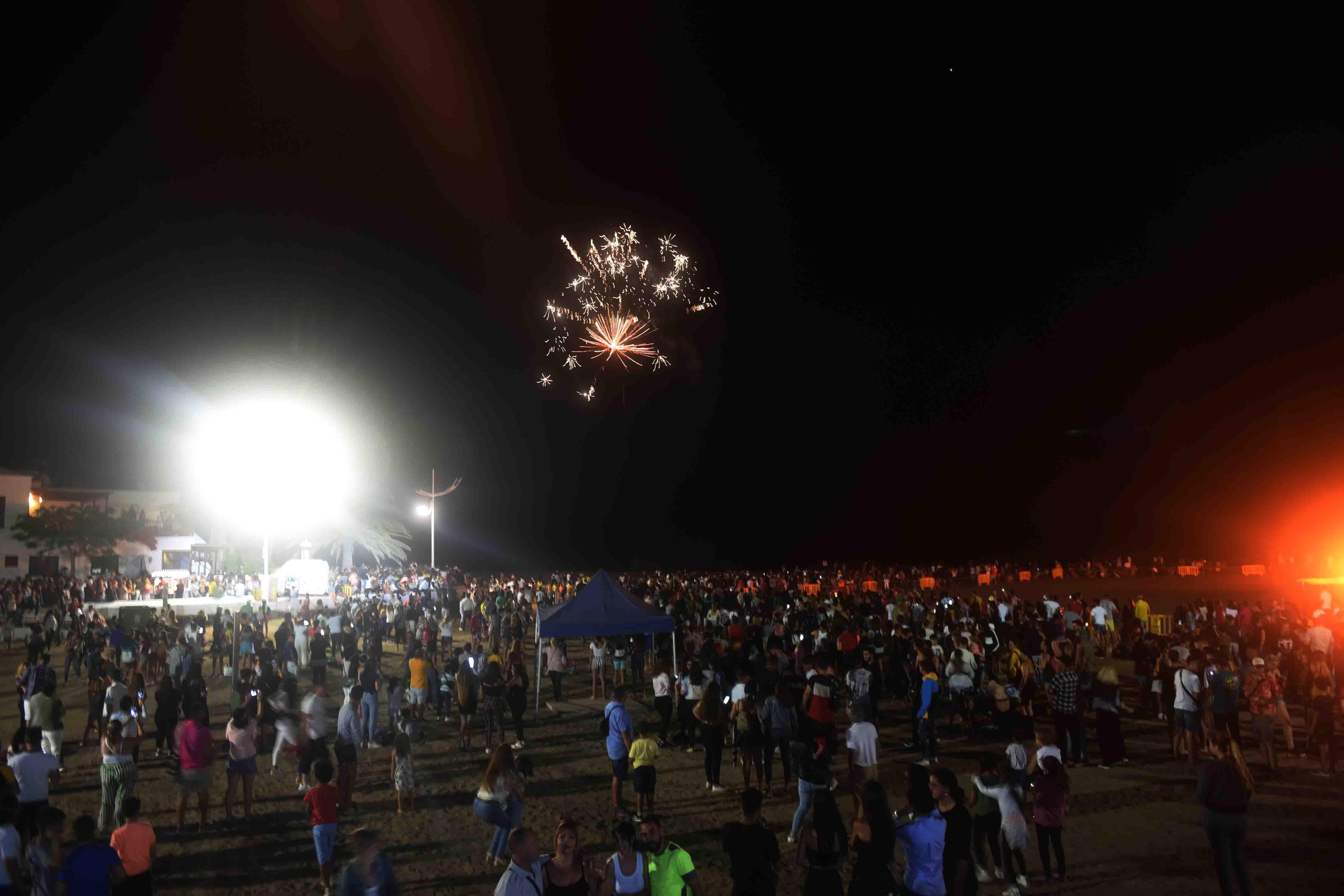 Playa Honda se consolida con la celebración multitudinaria de San Juan como referente insular de estos festejos