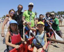 Teguise consolida su fiesta de bienvenida al verano en la playa de Las Cucharas