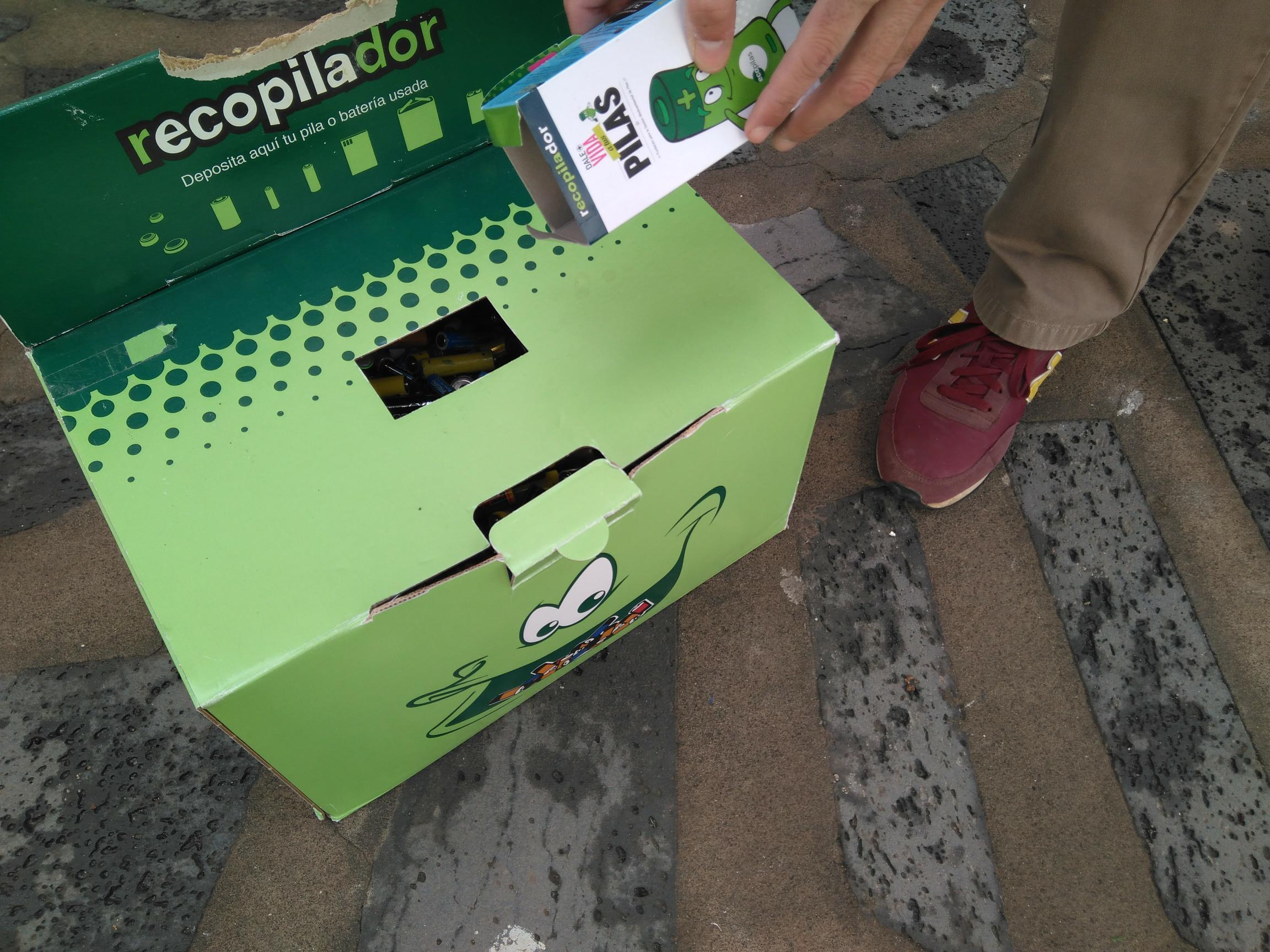 Los 2.867 kilos de pilas recogidas en la campaña 'Ponte Las Pilas'  se transformarán en euros para reforestar un espacio degradado en Lanzarote