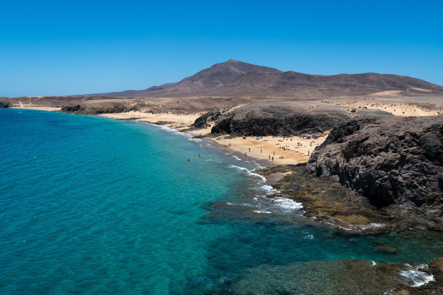 Turismo Lanzarote aplaude la elección de Papagayo como mejor playa de España por los lectores de Condé Nast Traveler