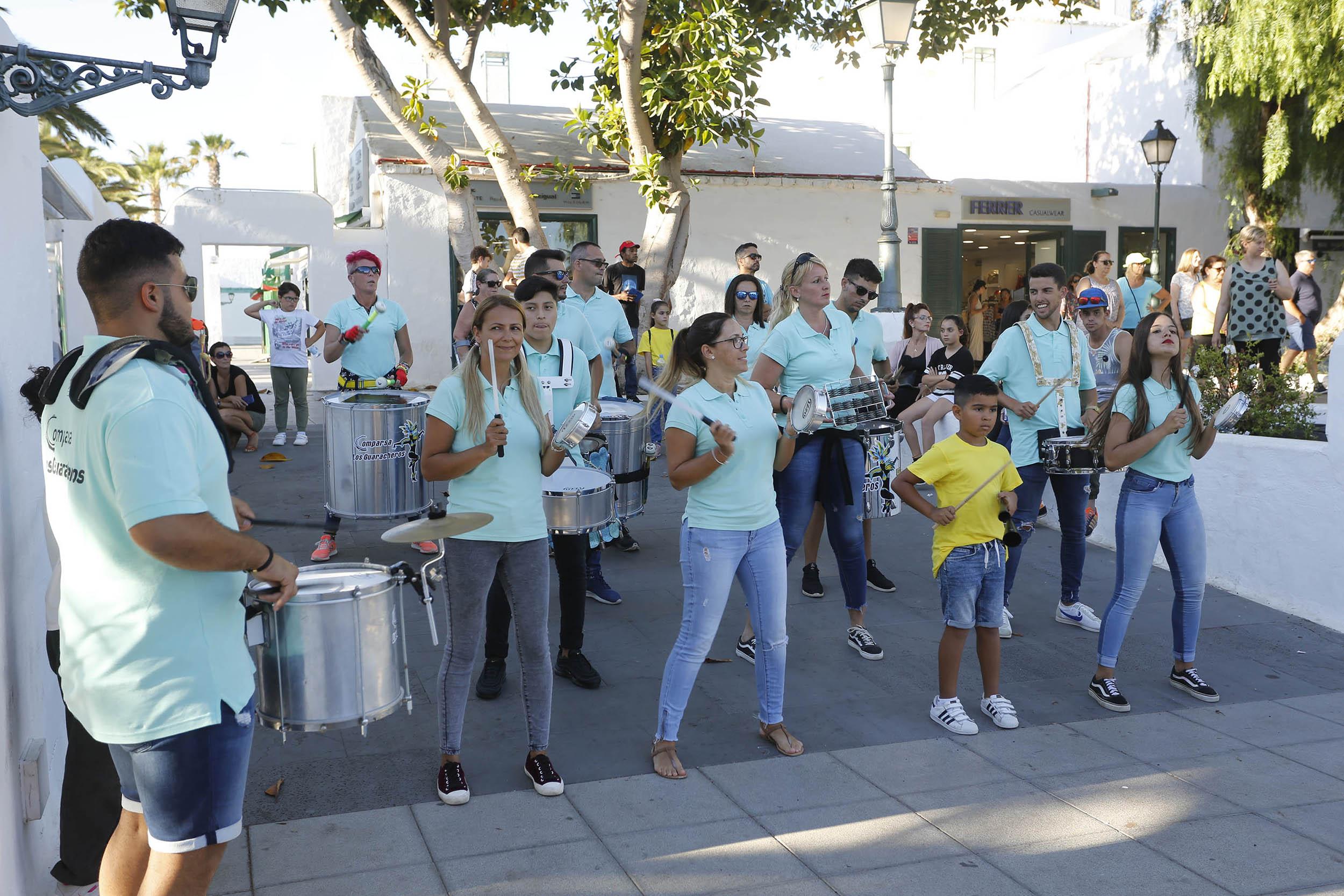 La Semana Joven arrancó en Costa Teguise con batucada y homenaje a un joven activista social