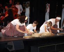"""La obra """"Hijos de Tacande"""" brilla en El Teatro El Salinero de Arrecife"""