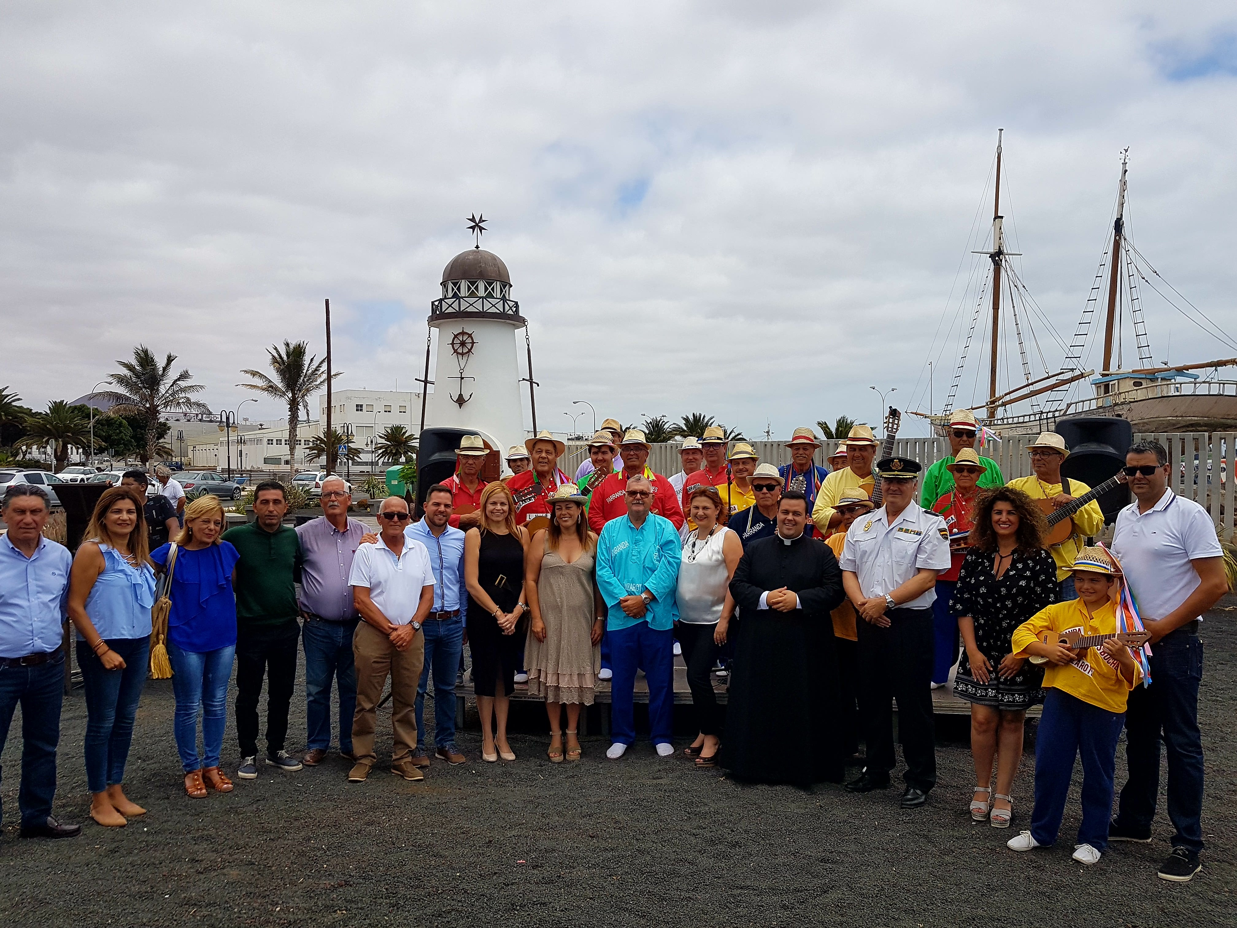 Arrecife recuerda a las víctimas del 'Cruz del Mar' en la celebración de la patrona del mar, la Virgen del Carmen