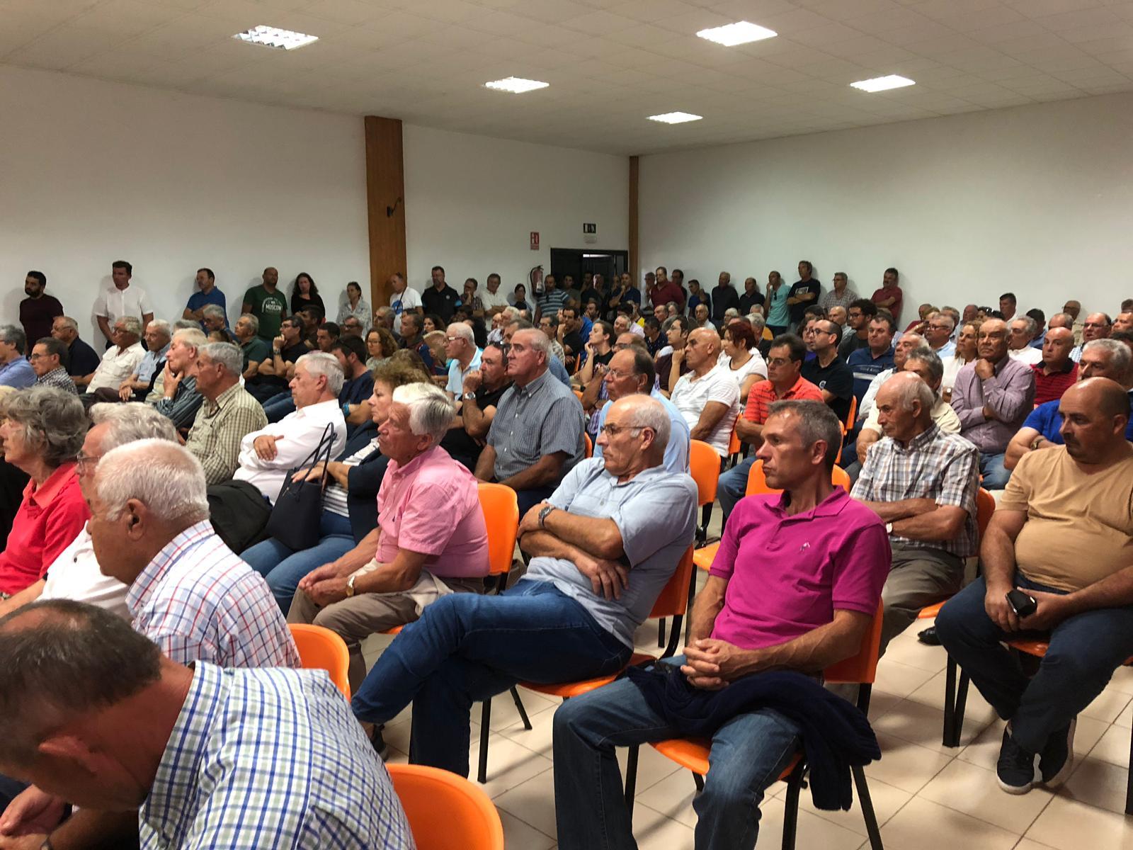 El Consejo Regulador se reúne con los viticultores en riesgo de perder las ayudas del Posei