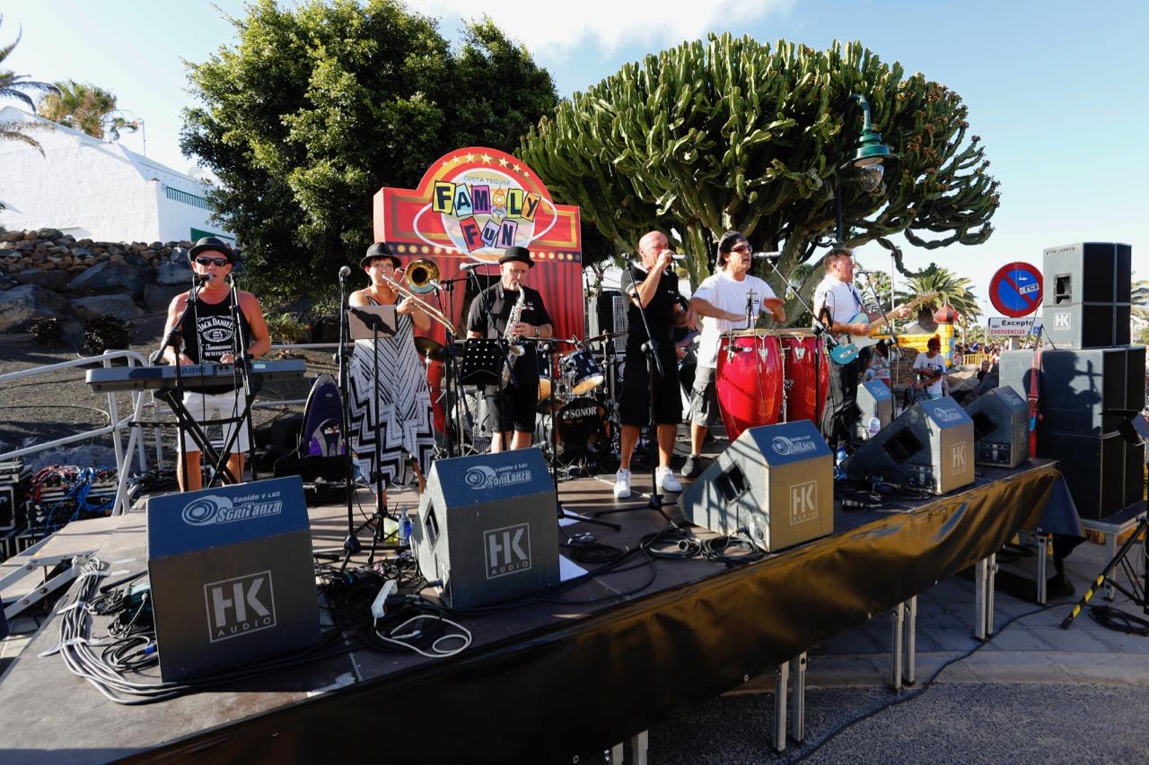 La música y la diversión dejó buen sabor de boca a propios y extraños en Costa Teguise
