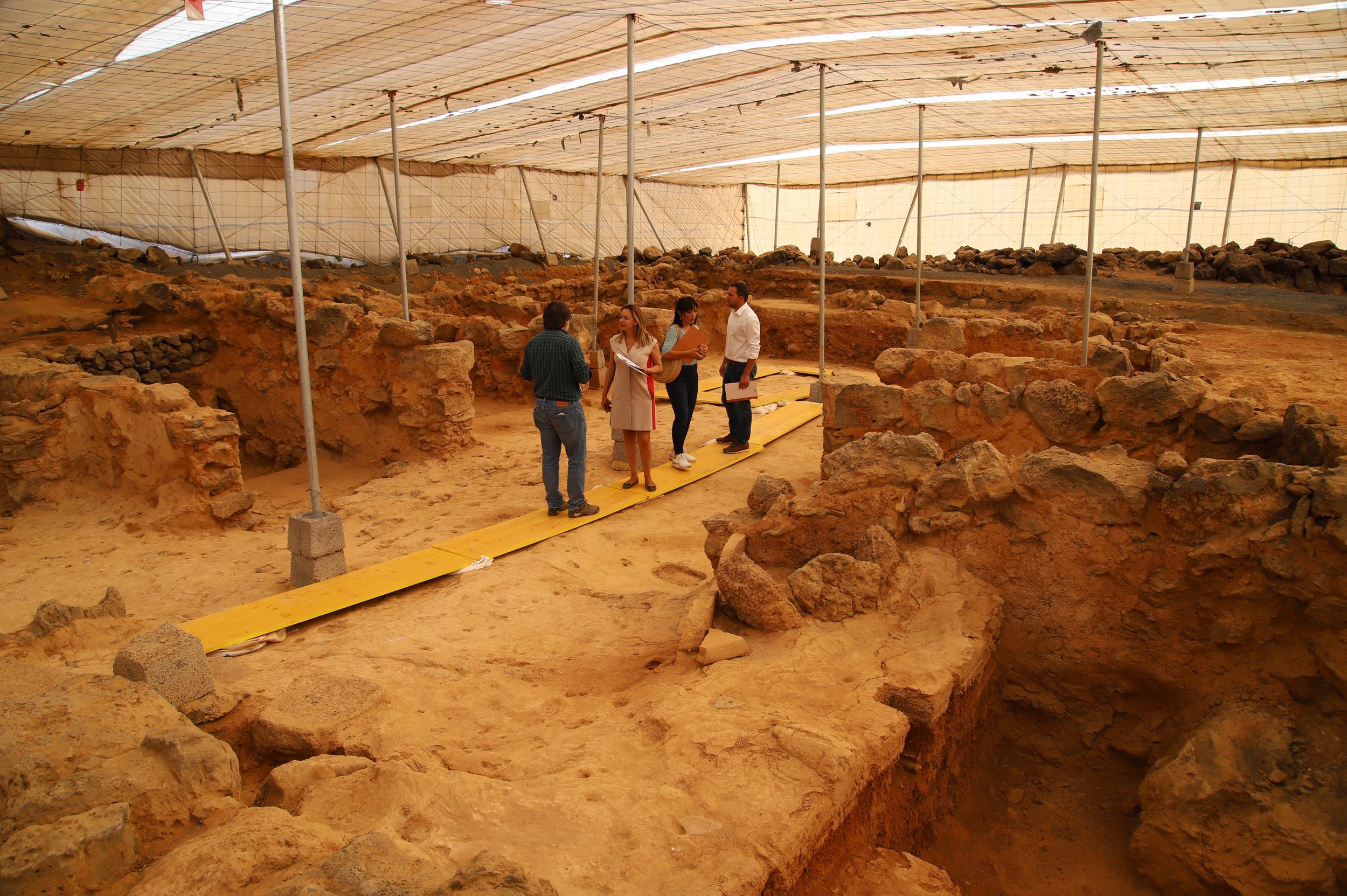 El Cabildo de Lanzarote quiere aumentar la frecuencia de las campañas de excavaciones arqueológicas en Fiquinineo y Zonzamas