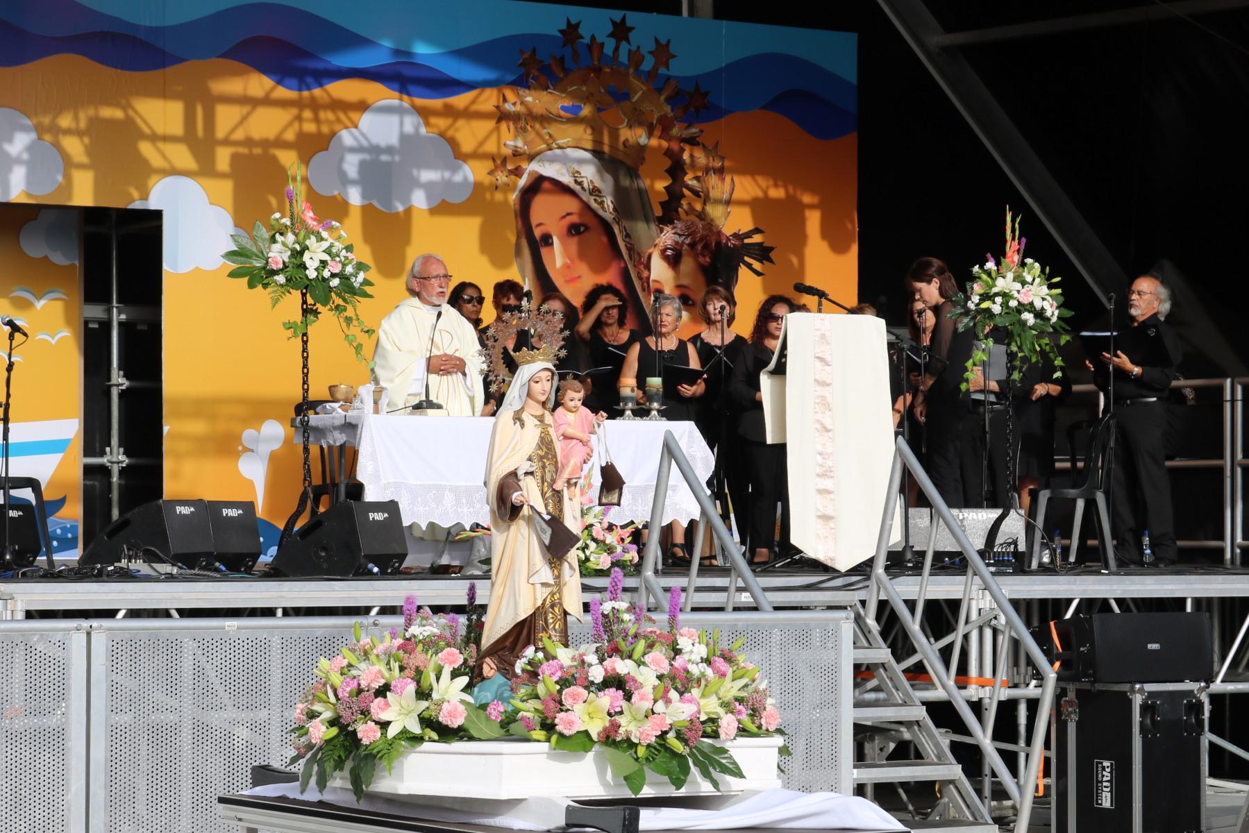 Playa Blanca celebra con gran devoción el Día del Carmen