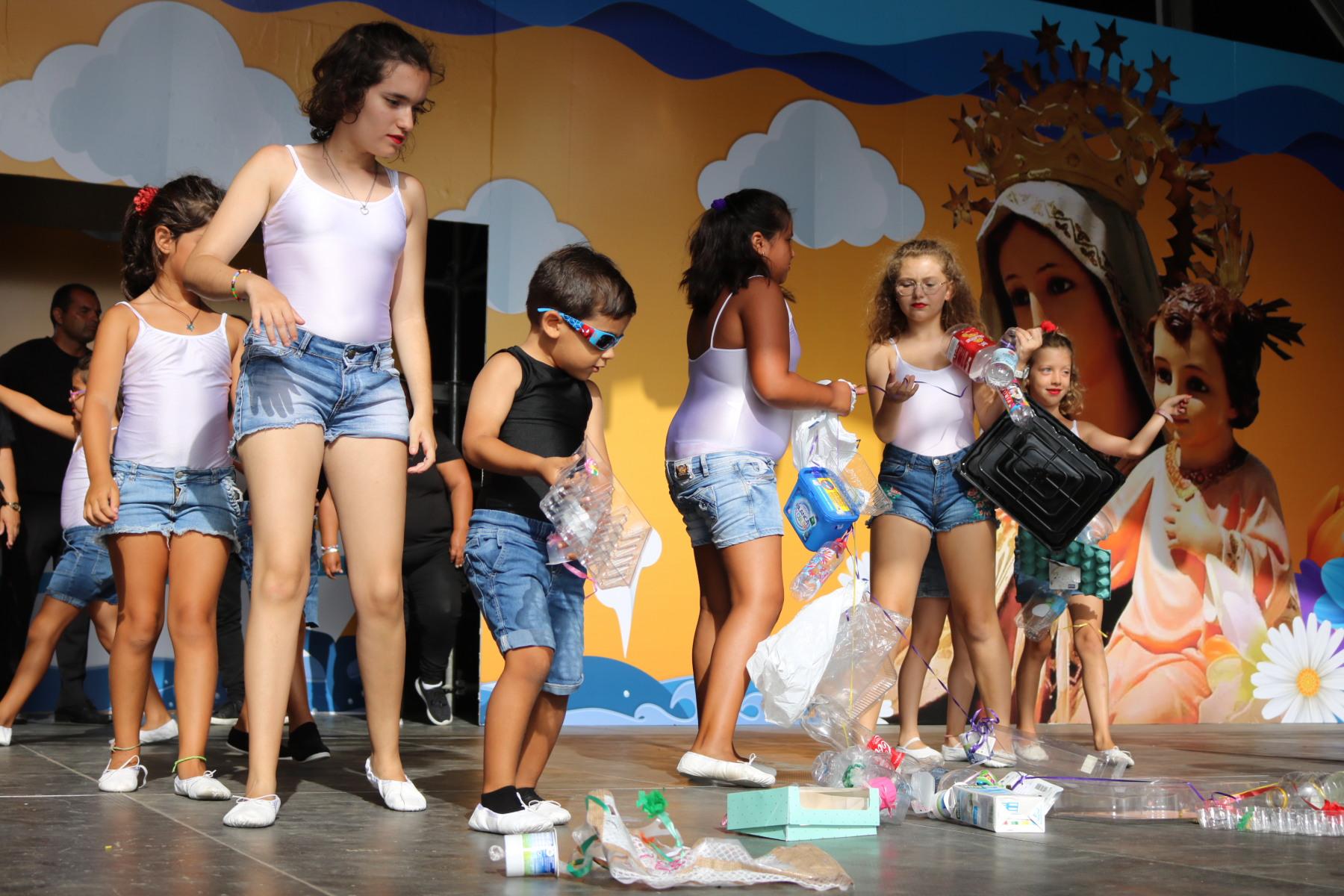 'Los desiguales' demuestran su arte en las Fiestas del Carmen
