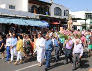 Playa Blanca sale en procesión