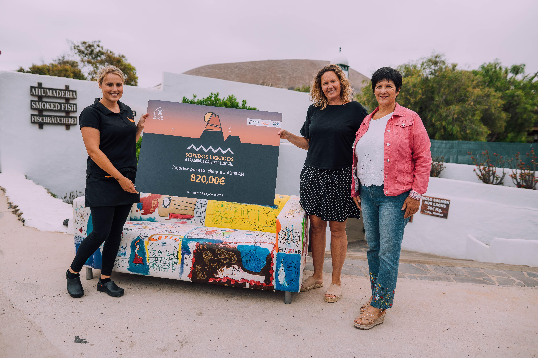 Sonidos Líquidos dona a Adislan el importe recaudado en la  subasta del sofá solidario