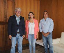 María Dolores Corujo recibe al nuevo presidente de la UD Lanzarote