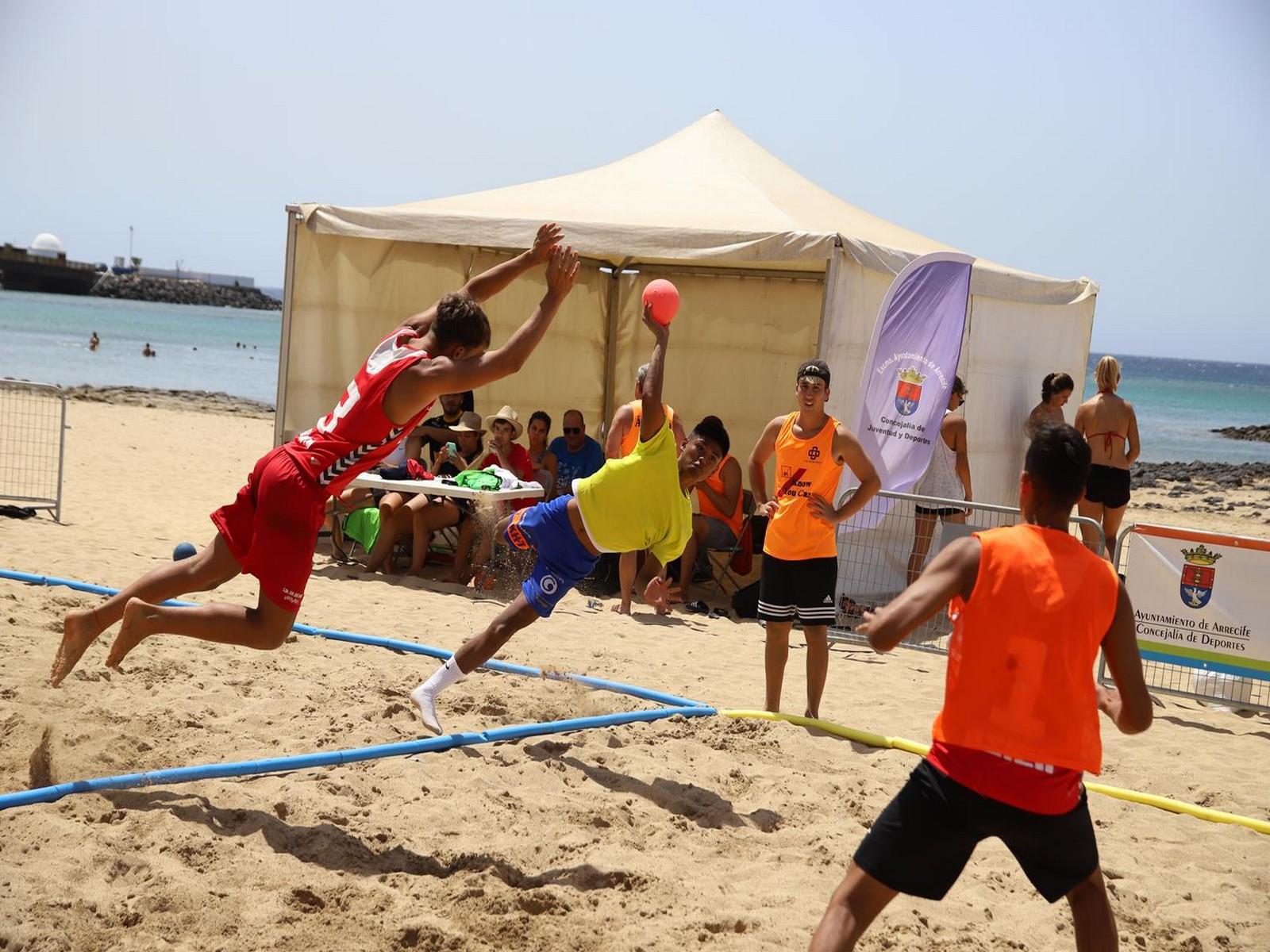 """""""Fua Seguros Axa"""" y """"Ay mi madre"""", campeones del Torneo BM Playa Arrecife"""