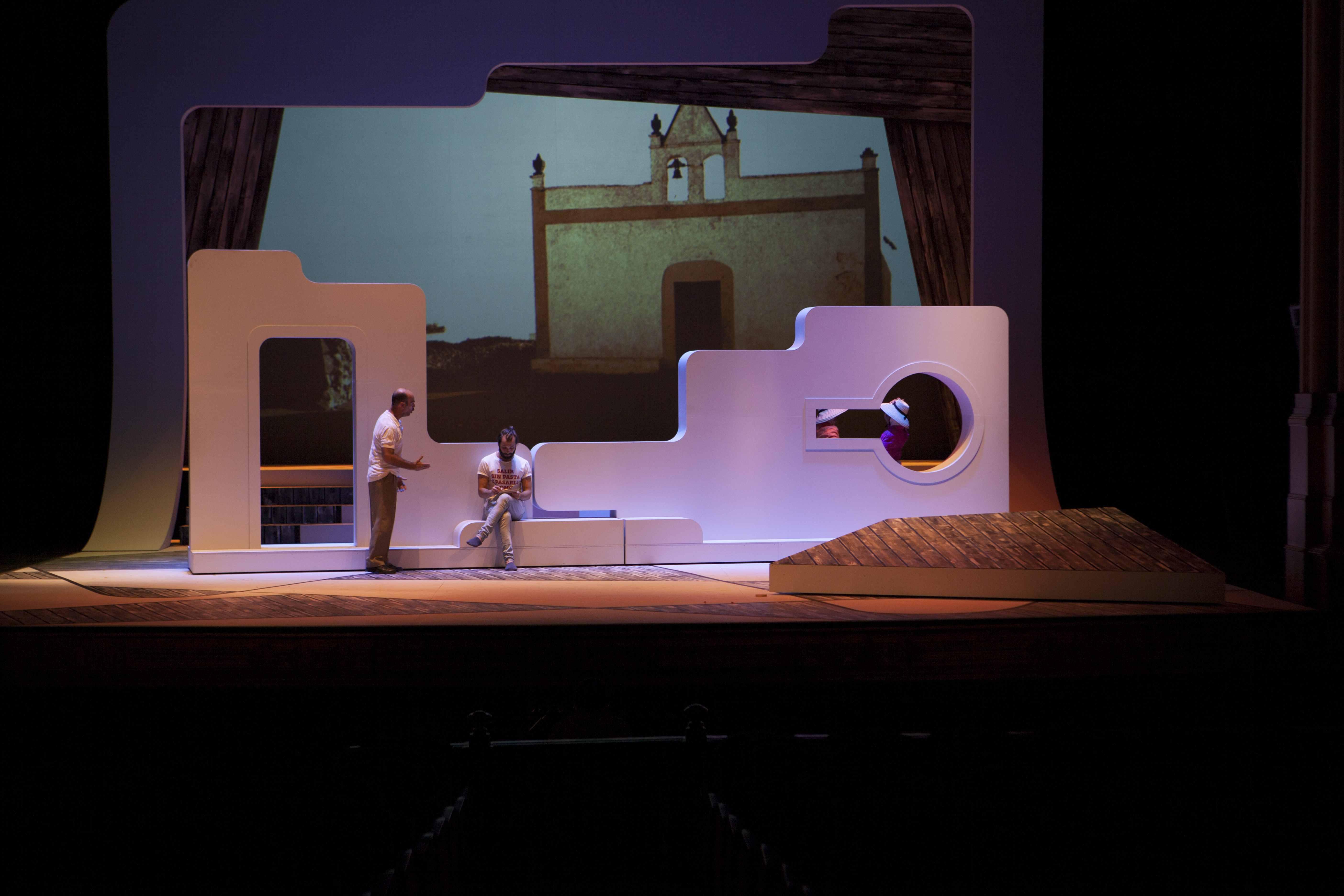 Expectación ante el esperado estreno de la producción 'César Manrique, el musical'