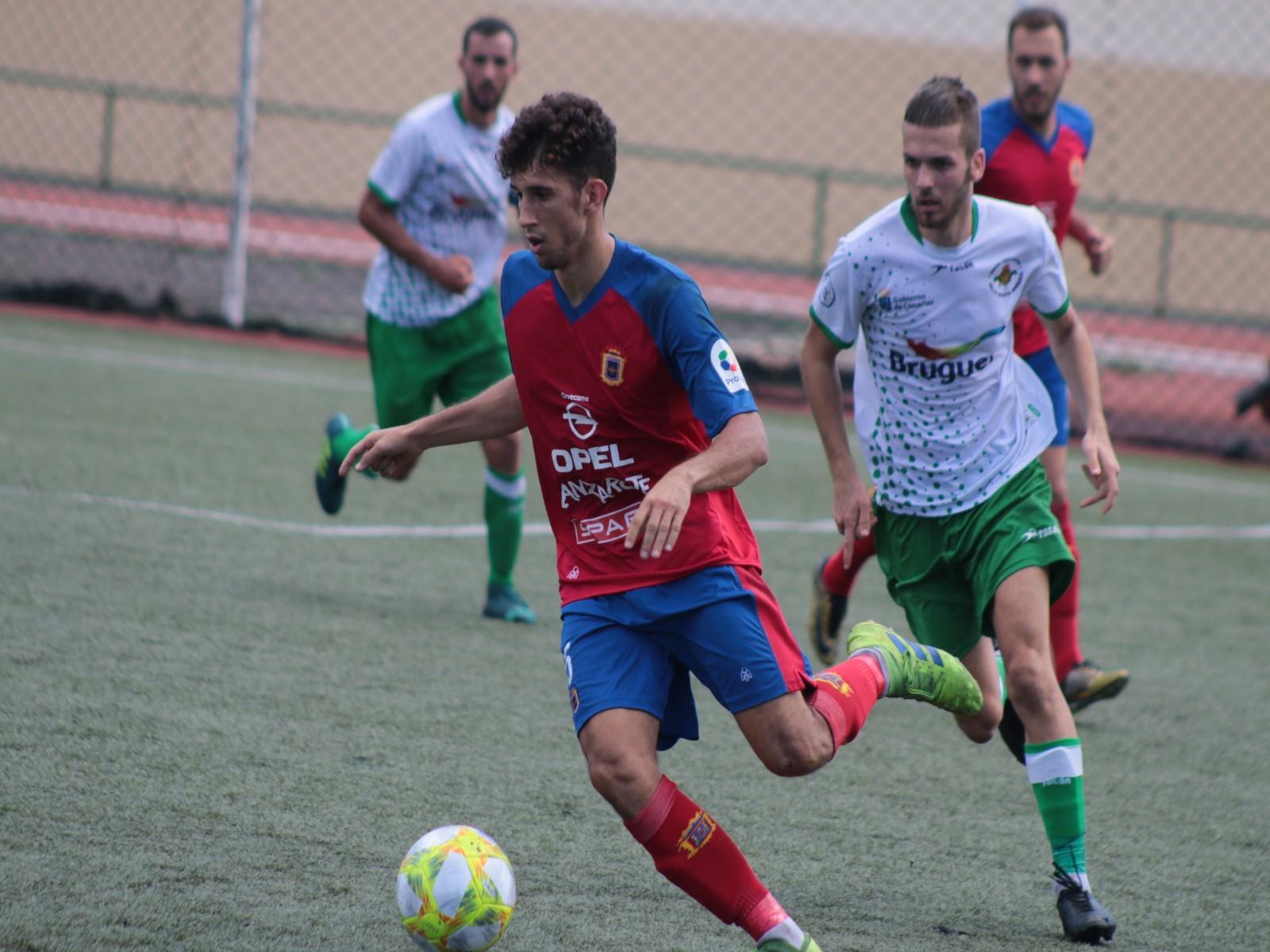 La UD Lanzarote se da un festín de goles ante el Villa de Santa Brígida (5-0)
