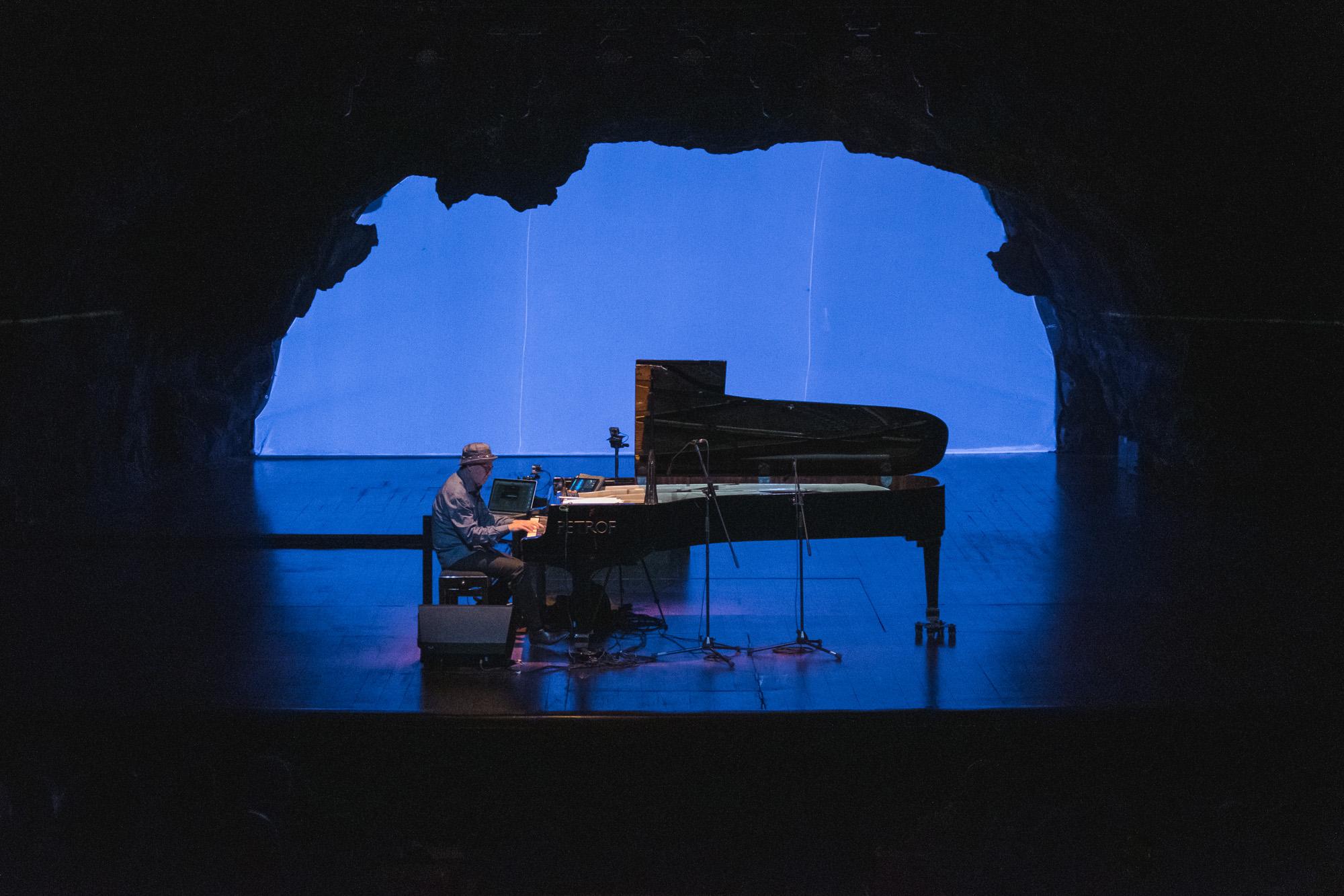 La sutileza de Jon Balke inaugura con éxito el 16º Festival de Música Visual