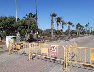 Arrecife valla por seguridad el Parque Marítimo junto a la playa del Reducto
