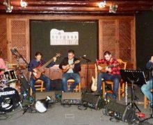 El último concierto del majorero Víctor Estárico llenó la Casa Museo del Timple