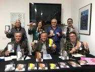 La asociación Escultura a César Manrique saca a la venta tarjetas de colaboración para la financiación ciudadana de la pieza