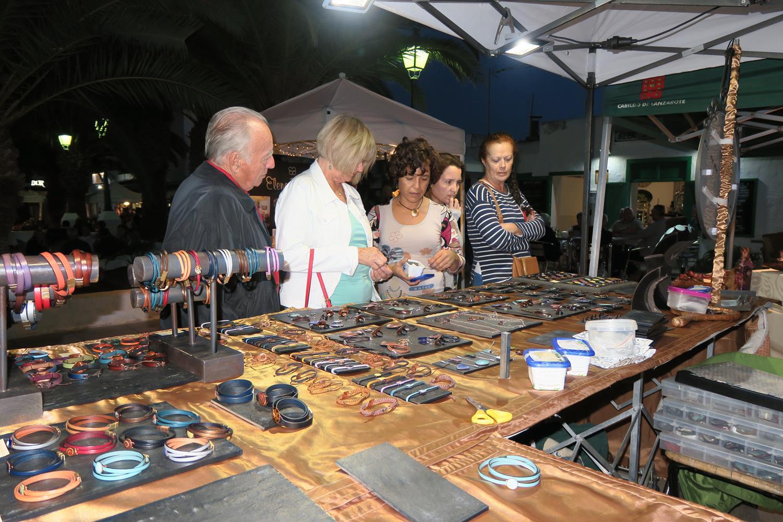 El Cabildo apoya el mercado local con la venta de productos artesanos