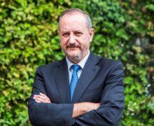 El reconocido médico e investigador Nicolás Olea ofrece una charla-coloquio sobre pesticidas, plásticos y otras hormonas