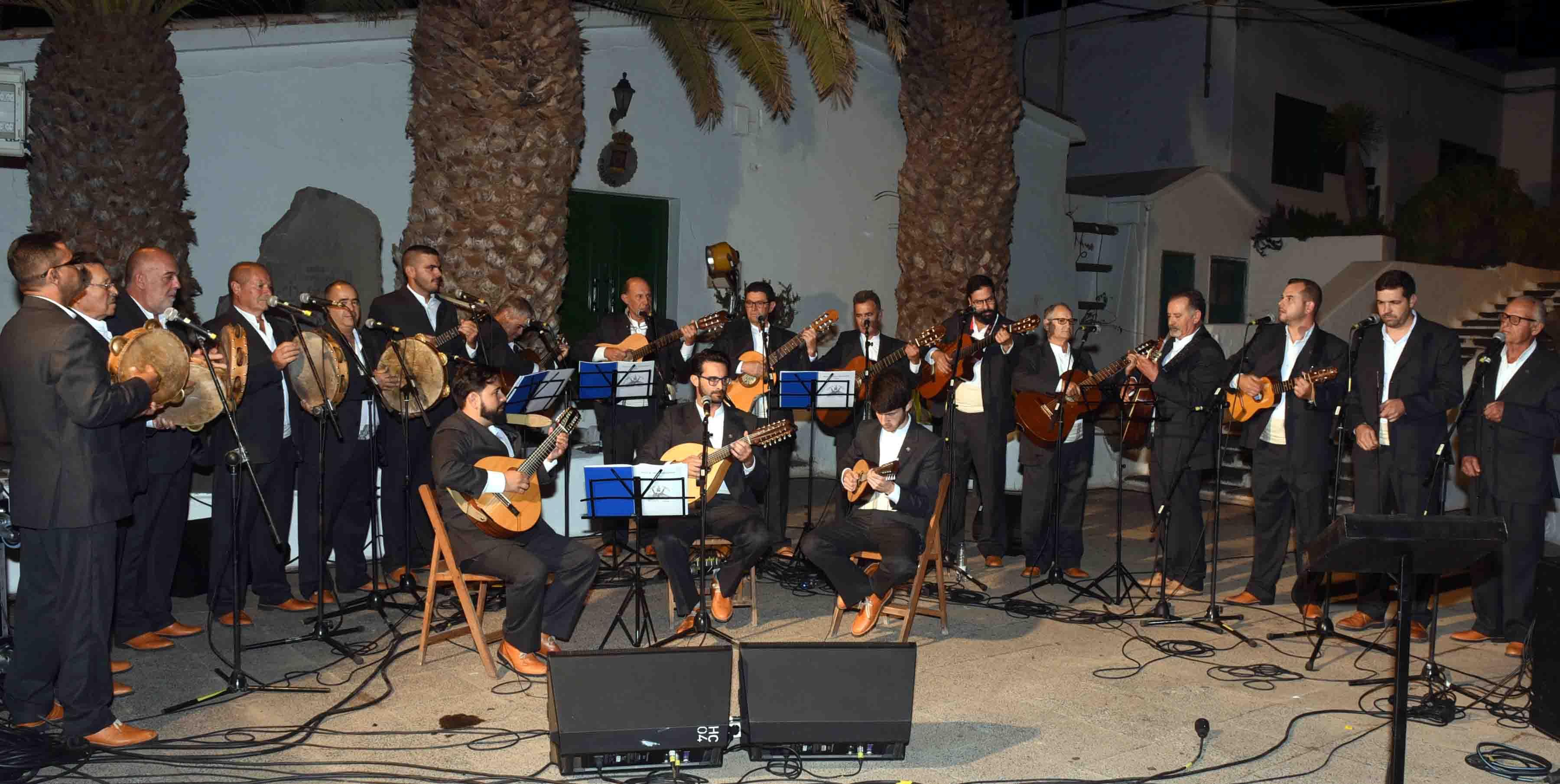 San Bartolomé abre la programación para diciembre y enero con el encendido del alumbrado navideño, actuaciones musicales e inauguración del belén municipal