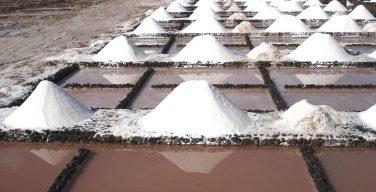 La sal marina de las Salinas de Janubio, libre de microplásticos