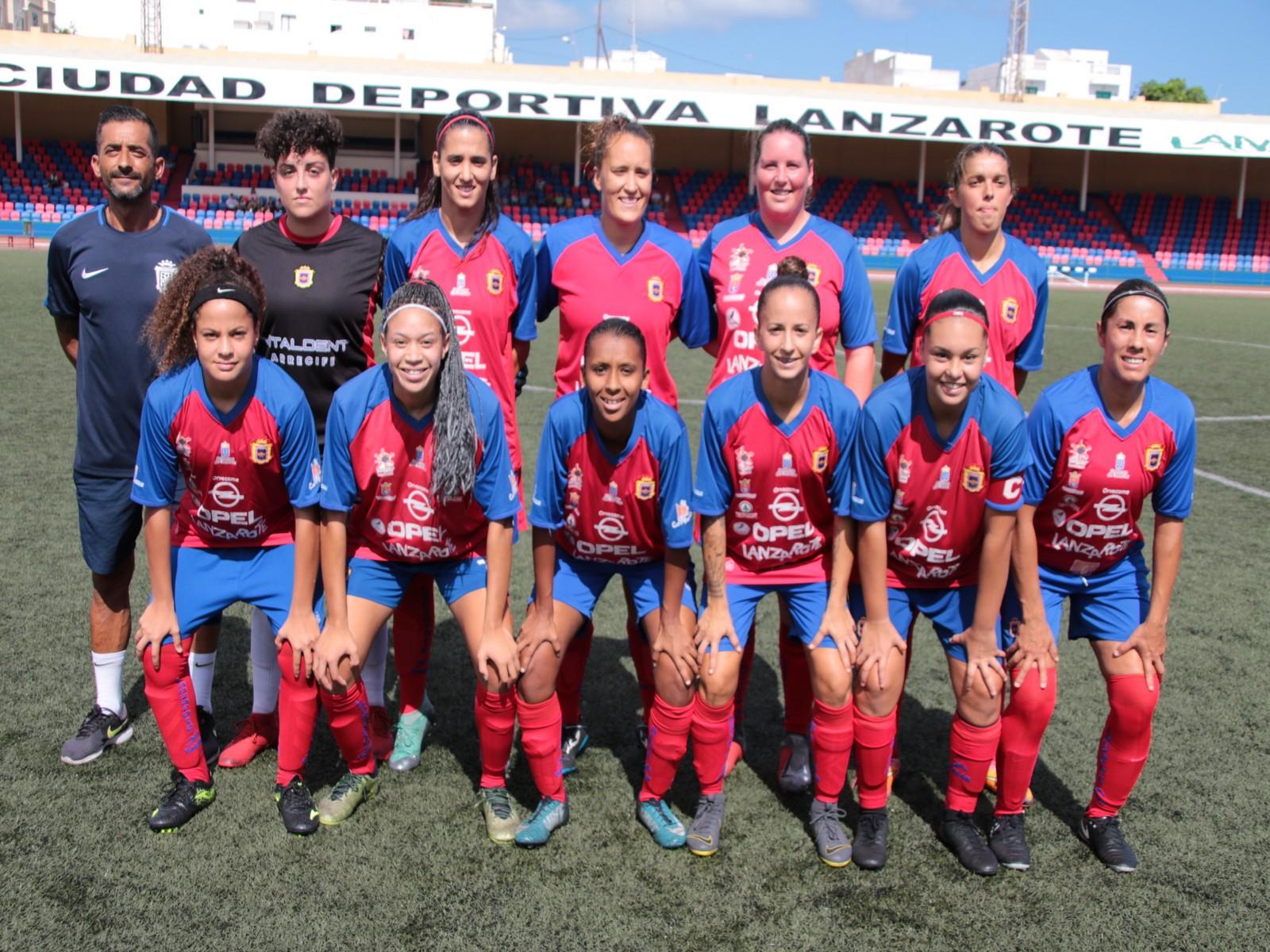 El equipo femenino de la UD Lanzarote se juega el sábado el liderato