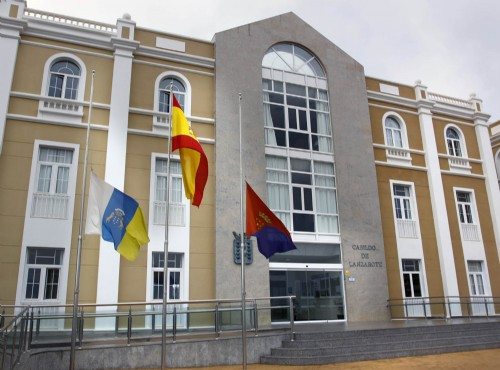 El Cabildo pospone los actos de Día de Canarias hasta el fin del luto oficial
