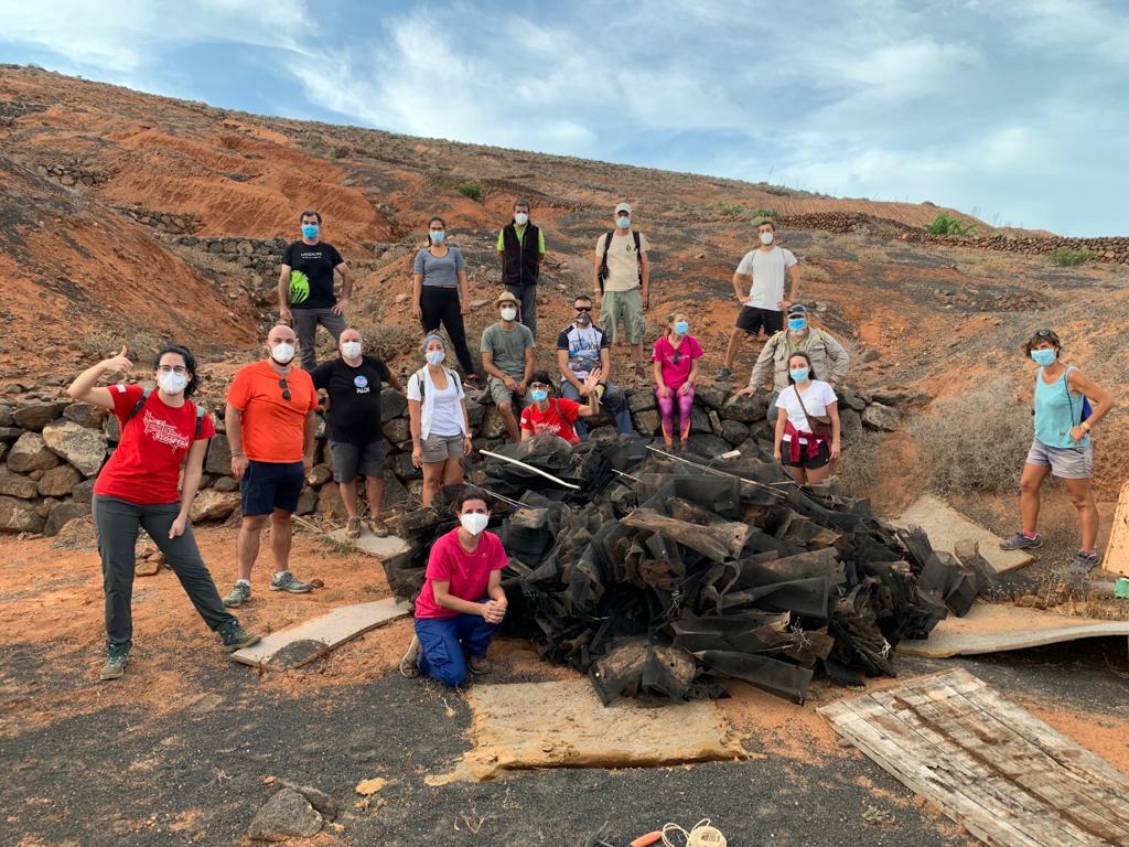 """El Cabildo retoma en Los Valles las acciones de voluntariado """"Junt@s Somos Biosfera"""" con el Club Revivir Lanzarote"""