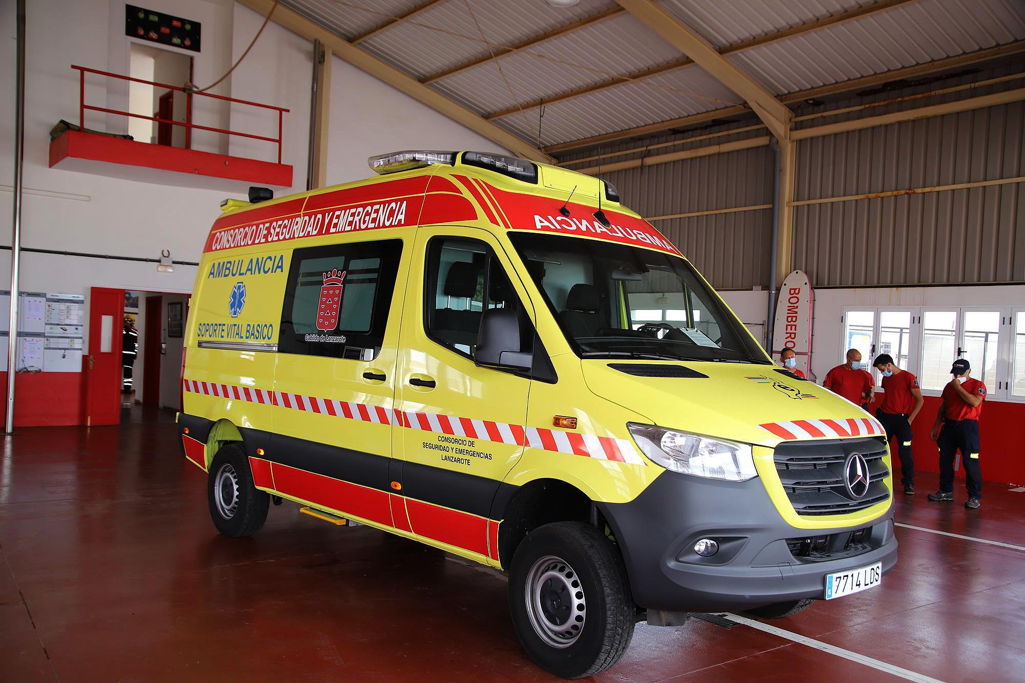 El Consorcio de Seguridad y Emergencias de Lanzarote adquiere una ambulancia de soporte vital básico destinada a los servicios de la COVID-19