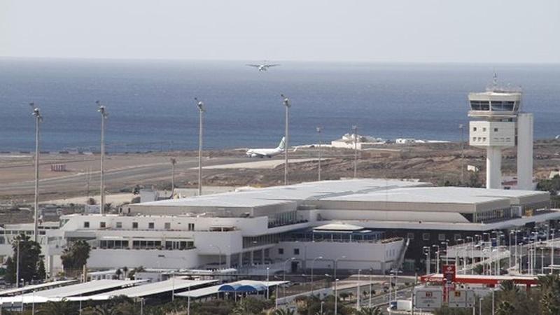 San Bartolomé mantiene su postura con respecto a la insonorización de las viviendas afectadas por los ruidos del aeropuerto