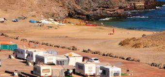 El Cabildo de Lanzarote programa un plan de actividades para los usuarios del Área de Acampada de Papagayo