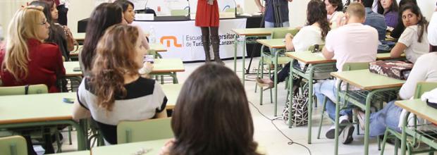 El Cabildo de Lanzarote adjudica las ayudas extraordinarias educativas de 2014