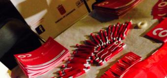 El Cabildo  felicita a la Ferretería Tías y  a Supermercados Spar por participar en la campaña 'El bolígrafo solidario'