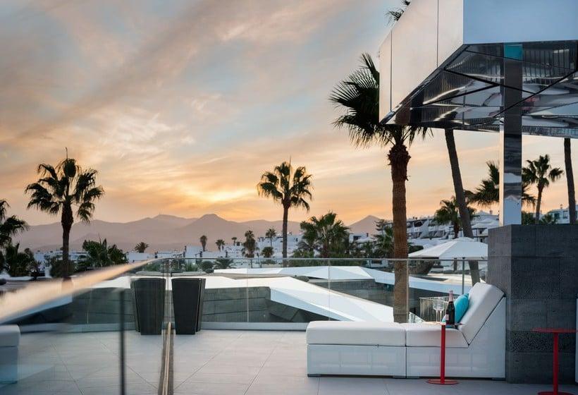 El Ayuntamiento de Tías felicita al Hotel La isla y el mar por su premio Distinguidos del Turismo 2016