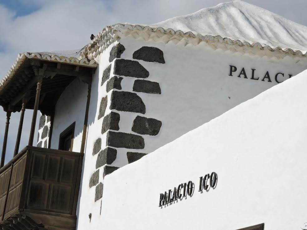 """El Consejo de Gobierno concede autorización provisional a un nuevo proyecto de rehabilitación y cambio de uso a categoría de """"Hotel Emblemático"""" para el Palacio Ico de Teguise"""