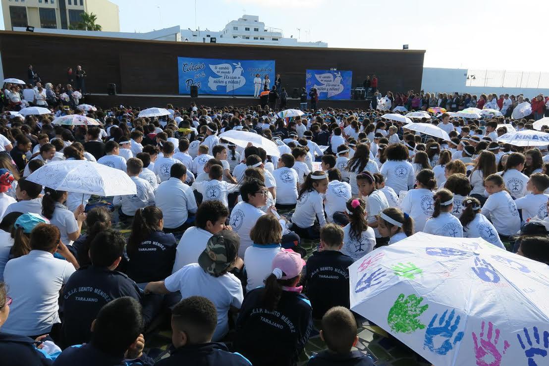 Los escolares de Arrecife piden a los adultos que les ayuden a cambiar el mundo