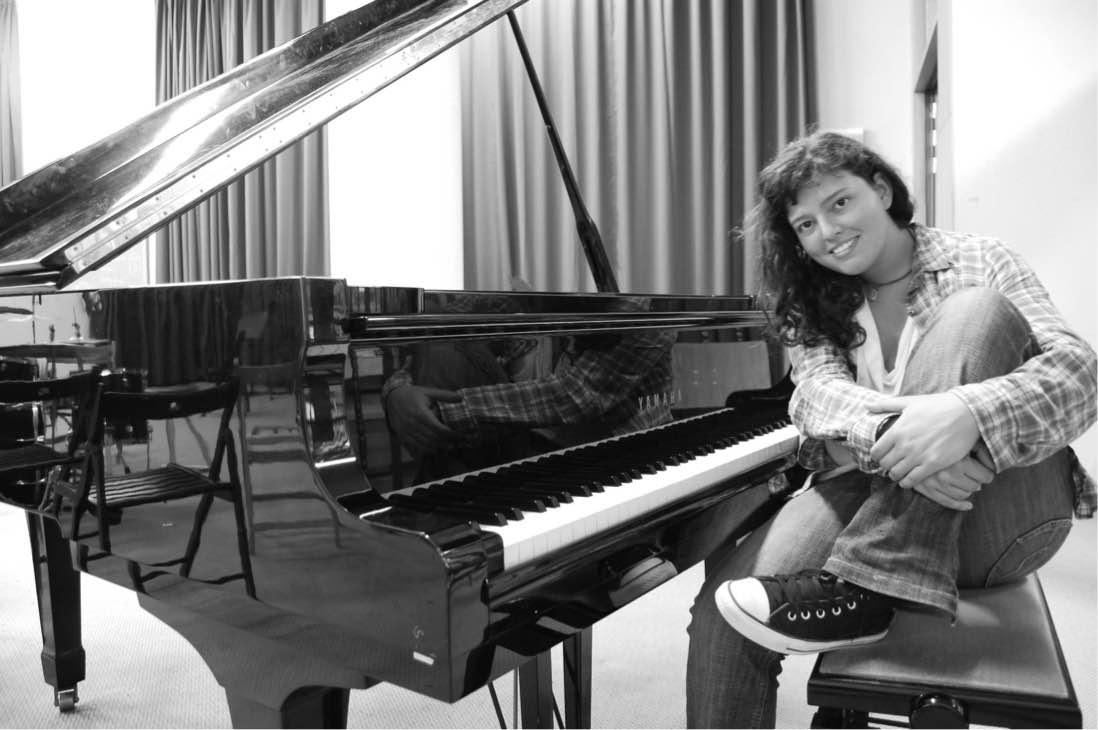 La cantautora y pianista Andrea Báez cierra este viernes el ciclo 'Patios En(cantados)' de la Casa-Museo León y Castillo de Telde