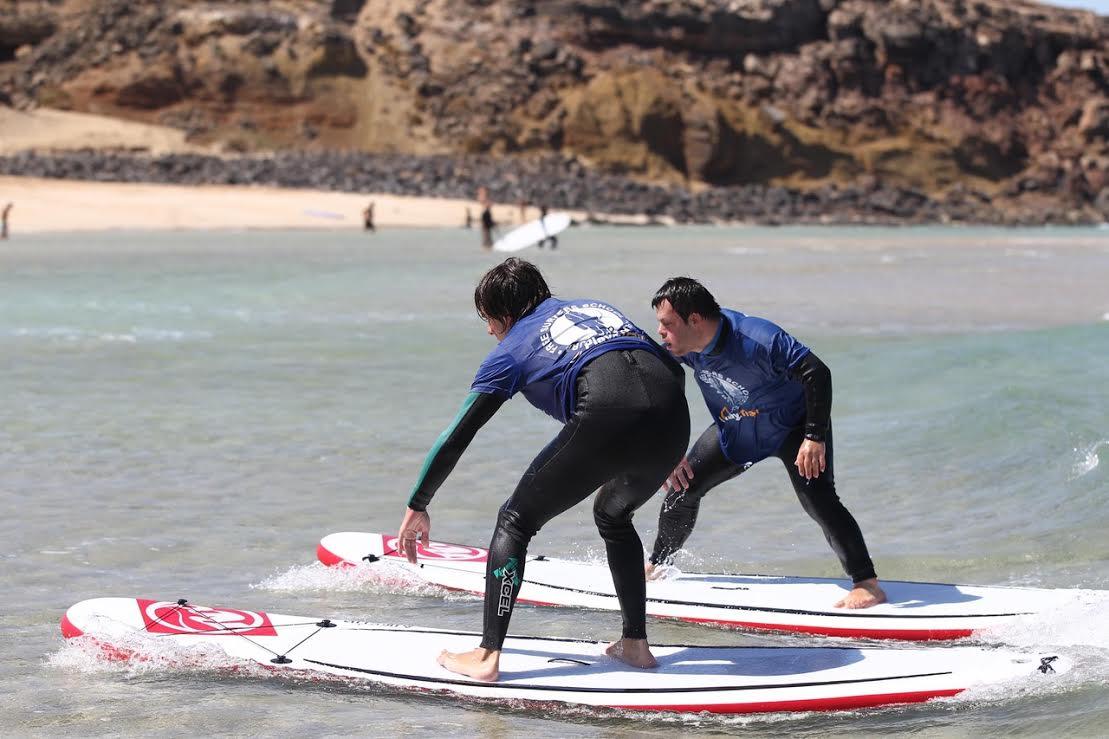 El surf sin barreras vuelve este verano a Fuerteventura de la mano de Play and Train