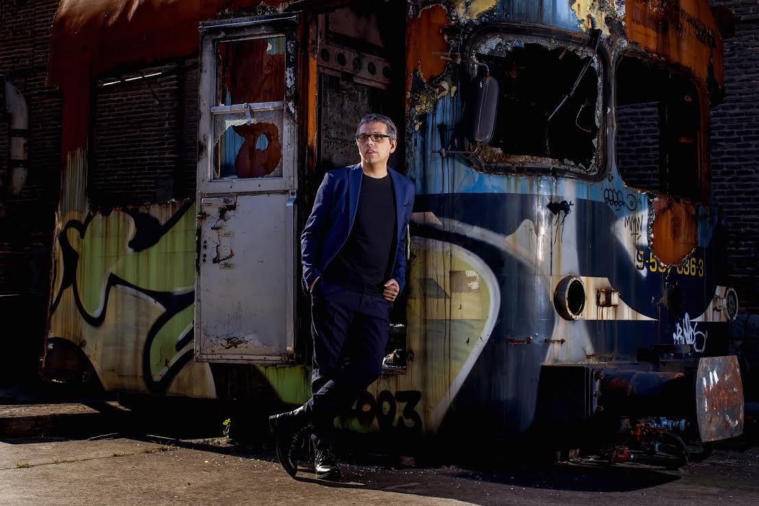 Pedro Guerra repasa sus grandes canciones en el Auditorio Alfredo Kraus