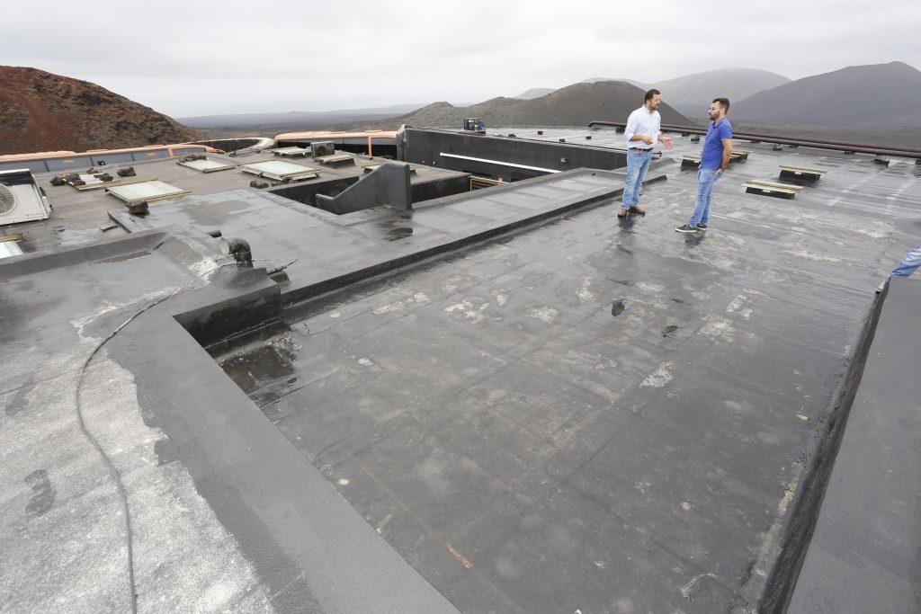 Los Centros recuperan el estado original de la cubierta del edificio del restaurante El Diablo
