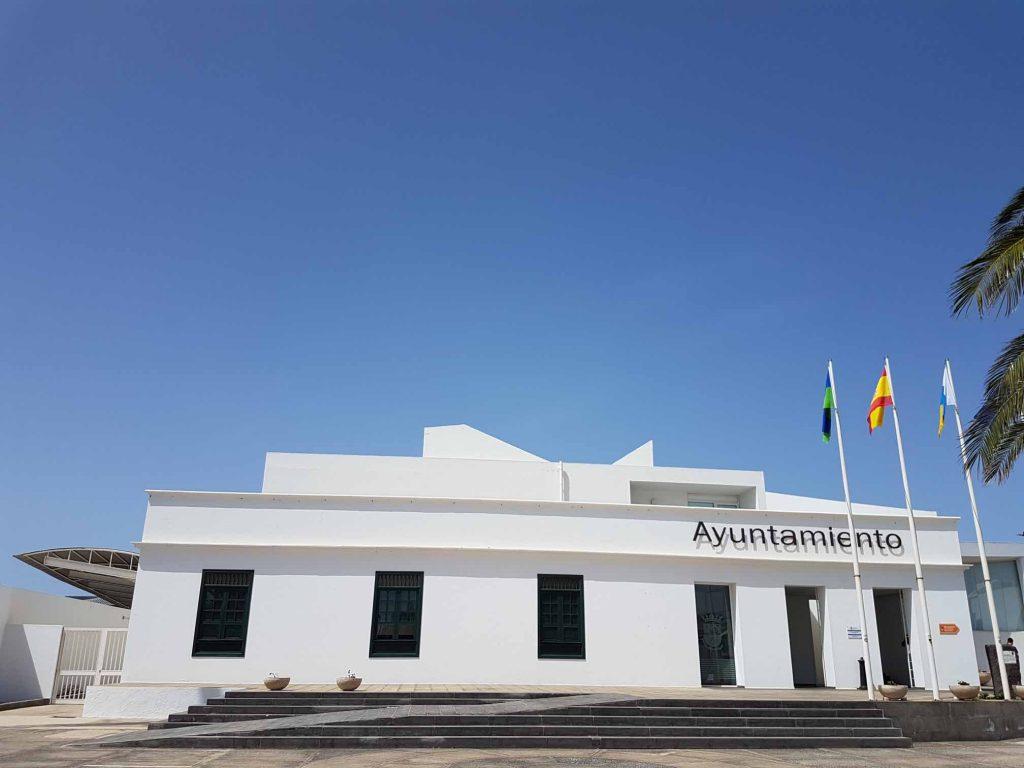 El Ayuntamiento de Tías publica la relación de las personas beneficiarias de las ayudas a los estudios