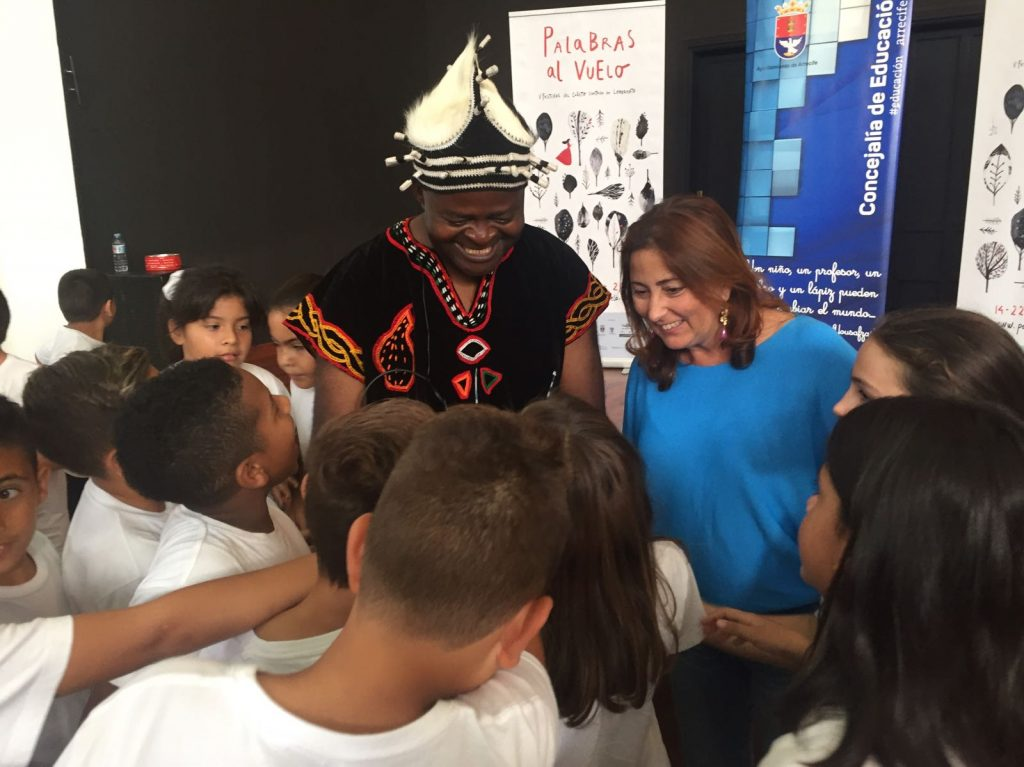 Las funciones escolares del Festival Palabras al Vuelo atraparon a más de 600 alumnos de Arrecife