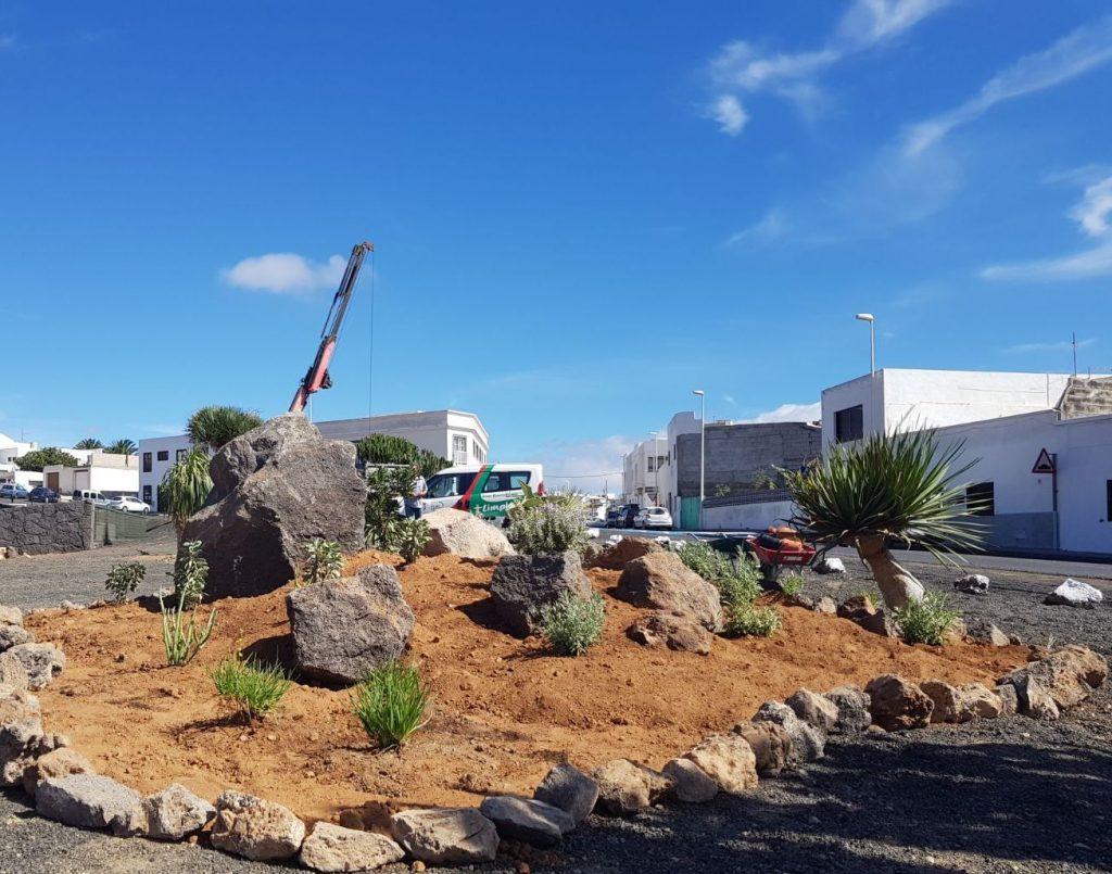 """San Bartolomé crea nuevos espacios de ajardinamiento dentro del """"Plan de mejora y embellecimiento de espacios públicos"""""""